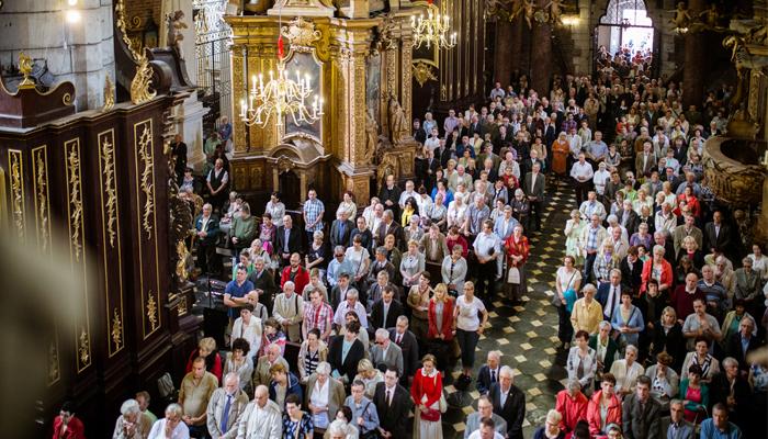 darczyńcy Stowarzyszenia podczas uroczystej Mszy Świętej